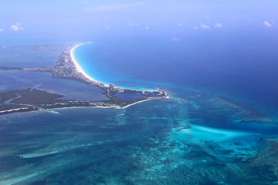 TRAVEL GUIDE: What To Do & Eat In Cancún,Mexico